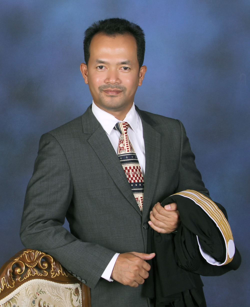 International Phuket Lawyer: Haris Boonsop